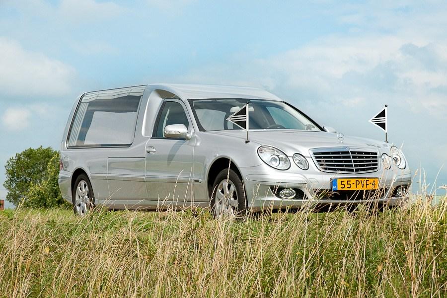 Mercedes grijs