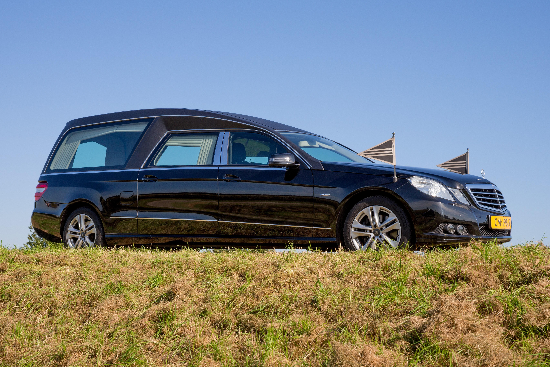 Mercedes zwart